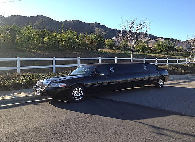 Black Limo Service in Highland