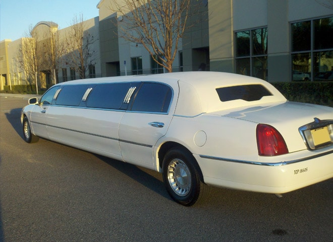 White Limo in Highland