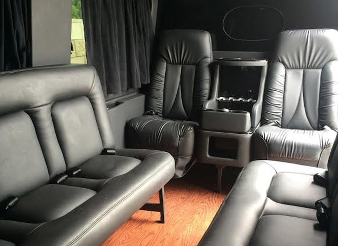 Sprinter Limo in Highland