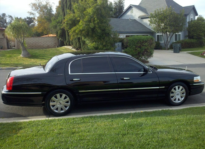 Town Car Limo Services Highland