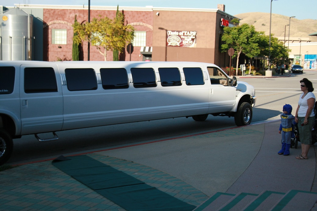 White Stretch Suv Limo Services Highland