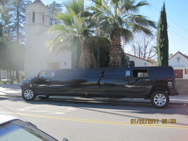 Highland Black Stretch Suv Limo